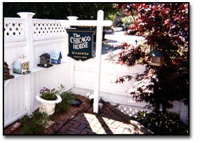 Chicago House - Front Garden